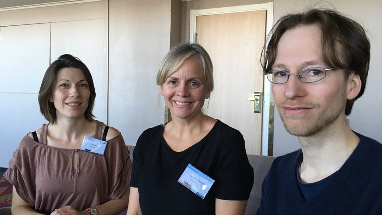 Researchers and initiators of the workshop on reindeer feeding in Kiruna. From the left:  Elise Lepy, Camilla Risvoll och Tim Horstkotte.Photo: Sameradion & SVT Sápmi